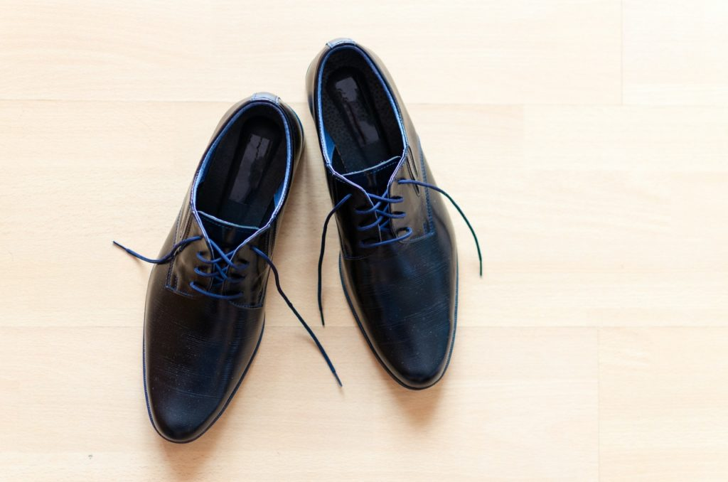 Comment réparer une chaussure qui grince ?